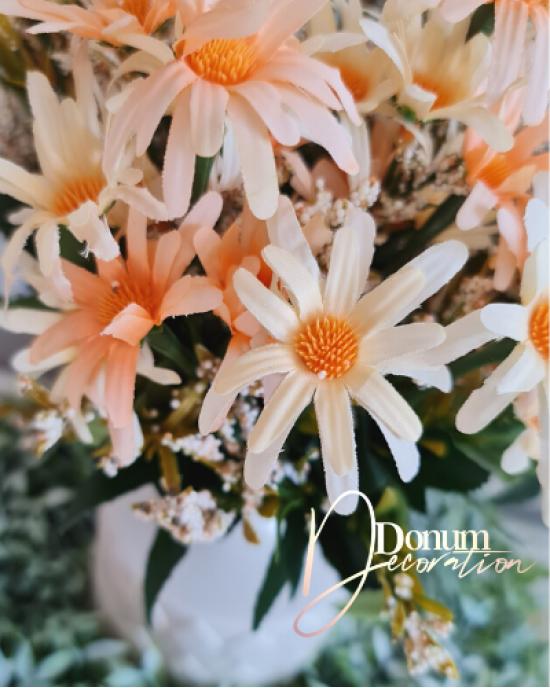 14 virágfejből álló csokor / Őszi -sárgabarack keveréke